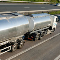 tanker-trailer-on-highway